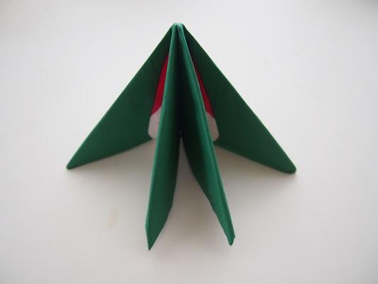 ペーパーナプキンで作るクリスマスツリー